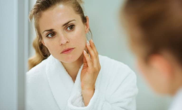 Dry skin caused by aging is very normal, and for many people, it is how their acne finally clears up in adulthood.