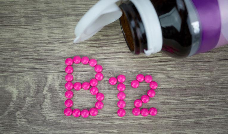 vitamin b12 for acne