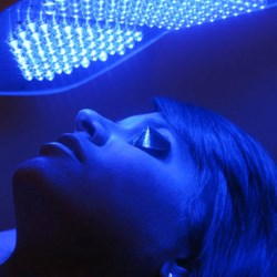 Blue-Light-Therapy (2)