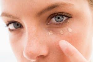 Concealer for acne