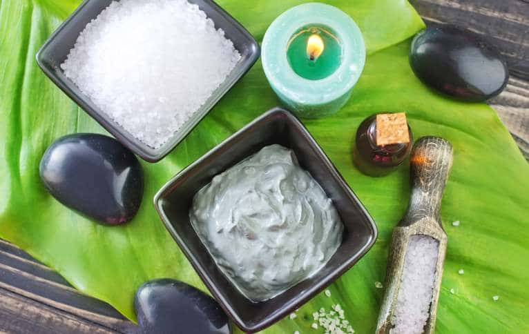 Different ingredients in making face masks