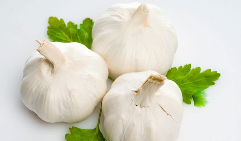 Garlic helps fight acne