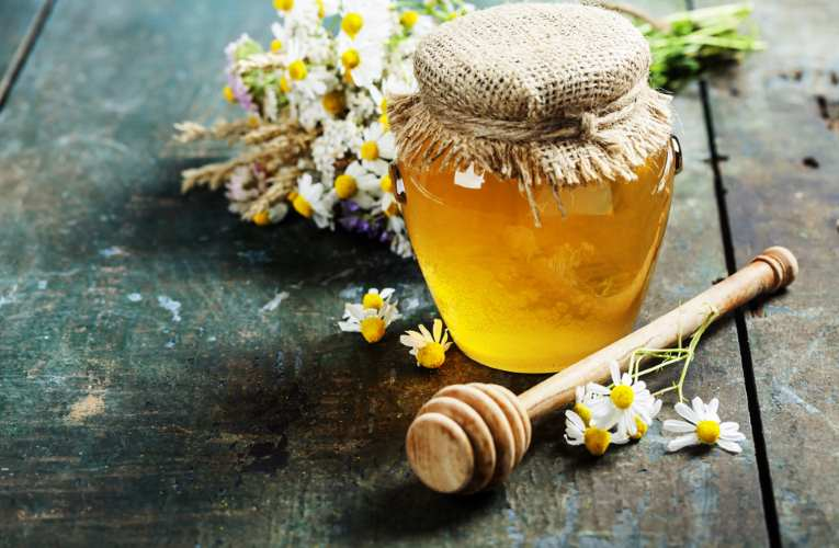 Honey for acne is an effective natural remedy in preventing acne.