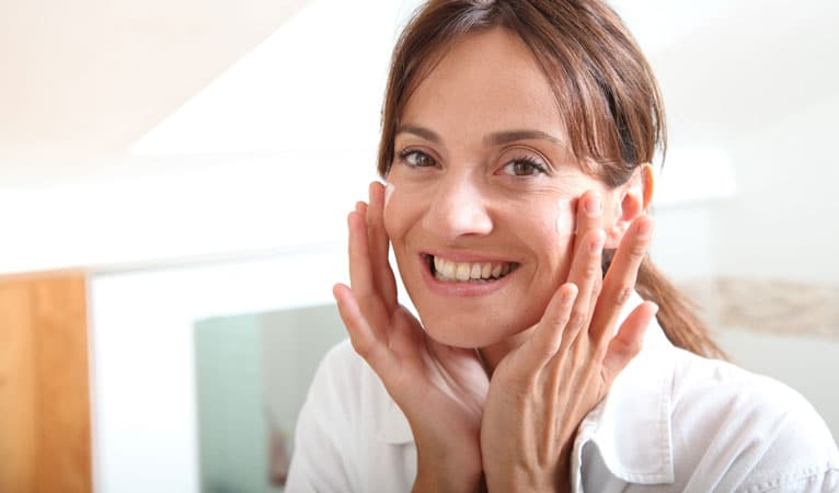 Moisturized to fight acne
