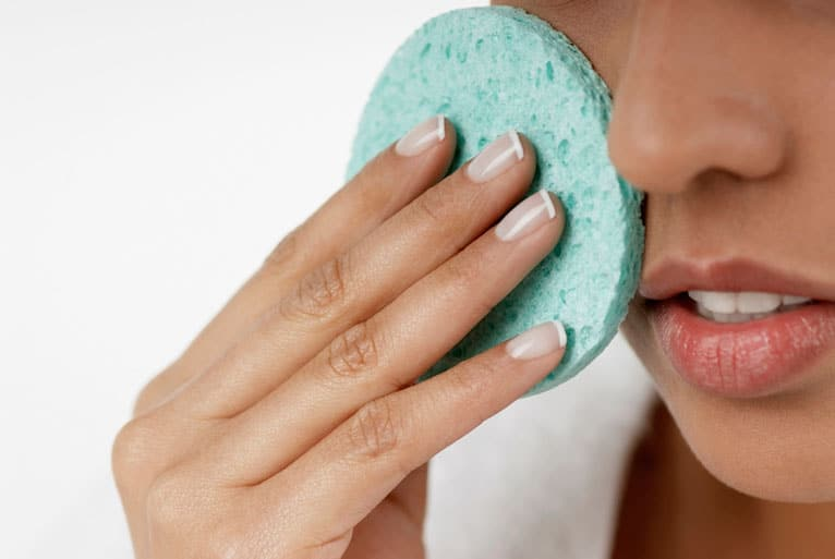 scrubbing can make acne worse