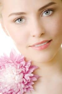 Exfoliation (glycolic acid) and fresh new skin growth (retinol) help create smooth, clear skin.