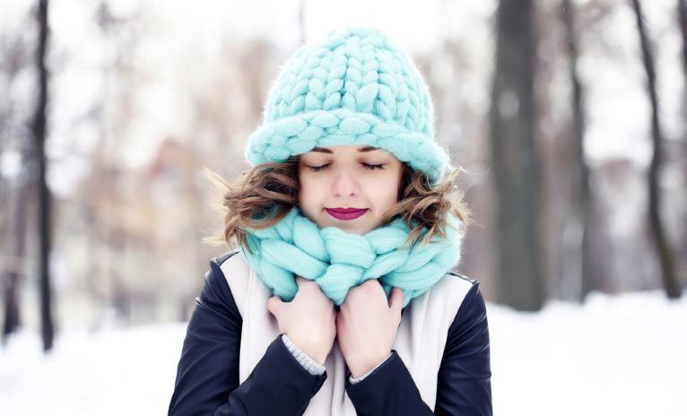 Seasonal acne